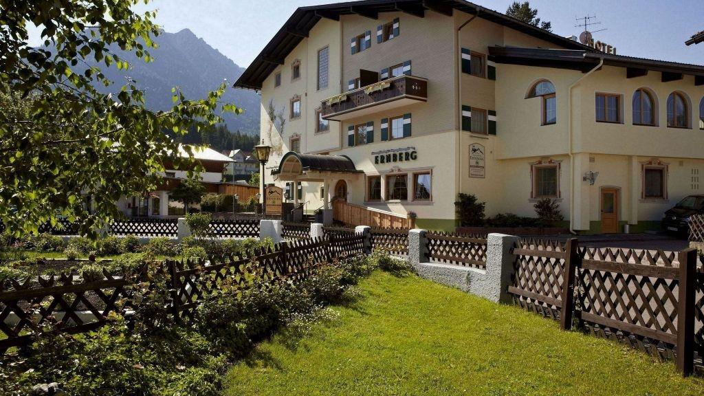Alpenhotel_Ernberg_zum_Dorfwirt-Breitenwang-Aussenansicht-4-177587