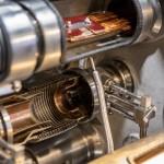 Verbindungselemente zwischen den Magneten